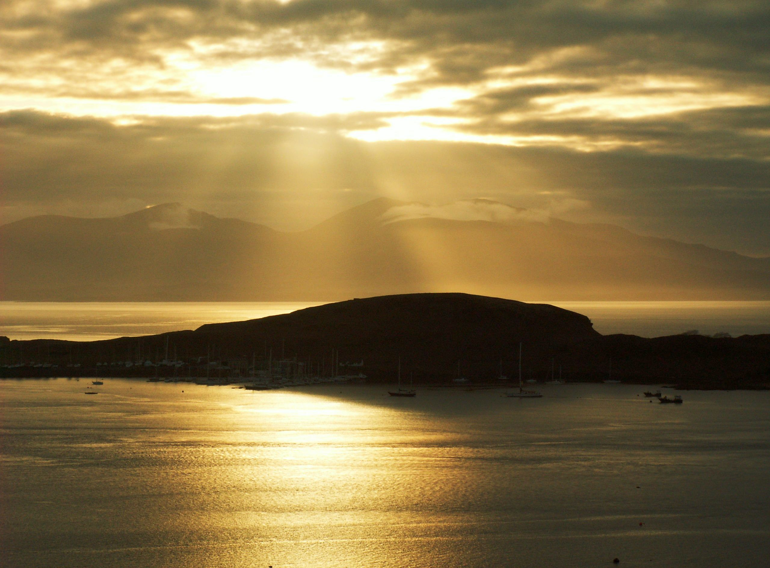 Hebrides Sunset Scotland Yacht Charter Amp Superyacht News