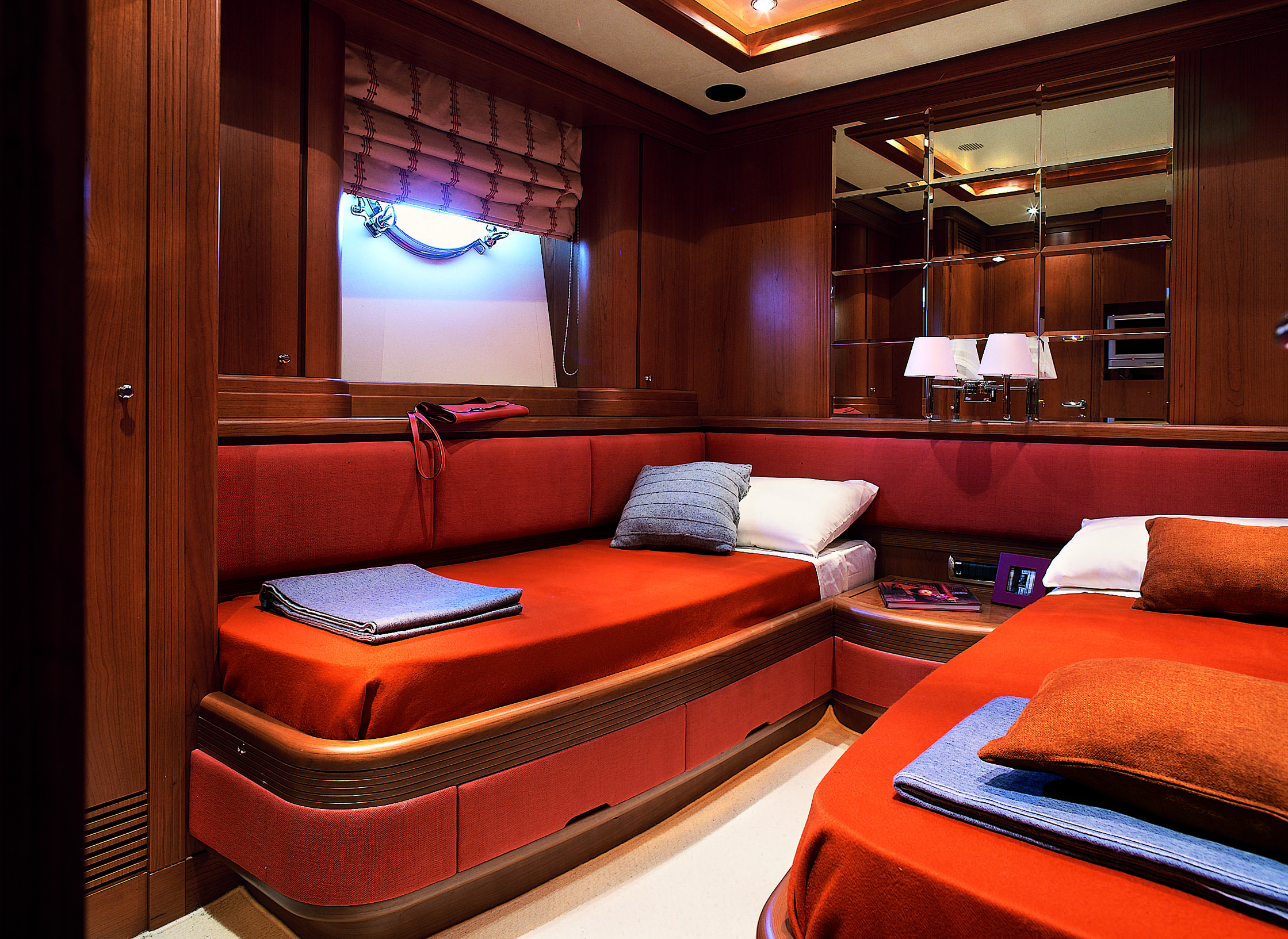 Azimut Luxury Yacht Cinque Guest Cabin Yacht Charter