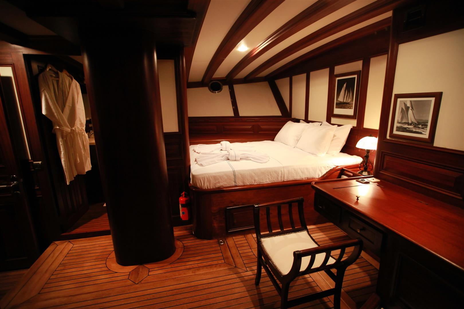 Charter Yacht Grande Mare Accommodation Yacht Charter