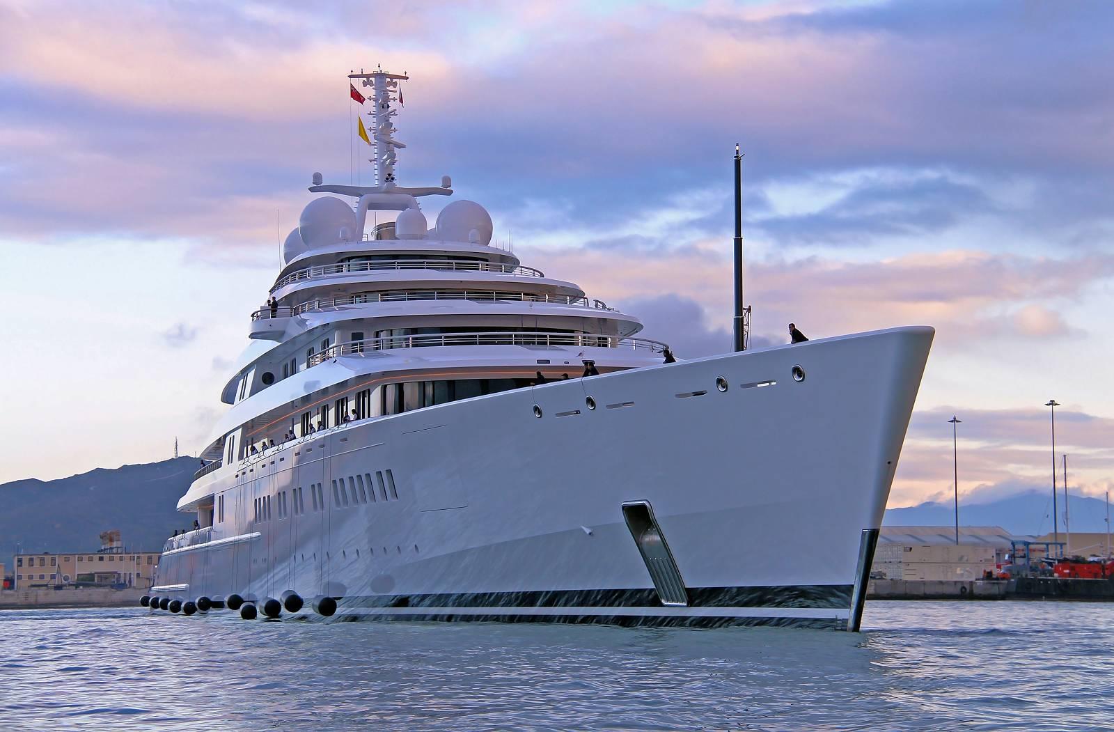 Luxury Superyacht AZZAM Photo By Giovanni Romero