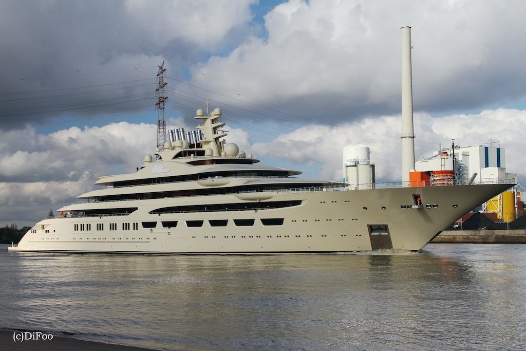Mega Yacht DILBAR Photo By DiFooll Luxury Yacht