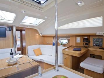 barca a vela charter yacht (10)