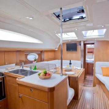 barca a vela charter yacht (12)