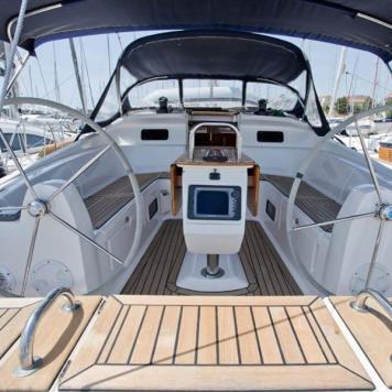 barca a vela charter yacht (3)