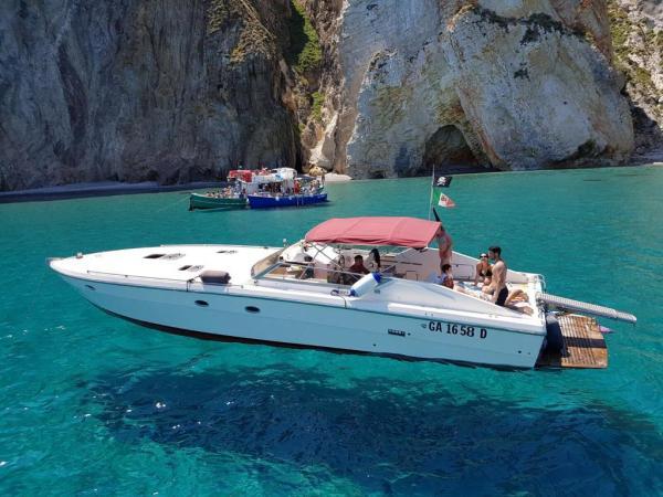 Ponza affitto Yacht giornaliero 43 Gariplast 43 noleggio charter giornalieri weekend e settimanali