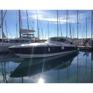 yacht MotoreGiornaliero dal Circeo per le Pontine yacht Bavaria 43 un 14 metri comodo e spazioso per il weekend e per il day charter