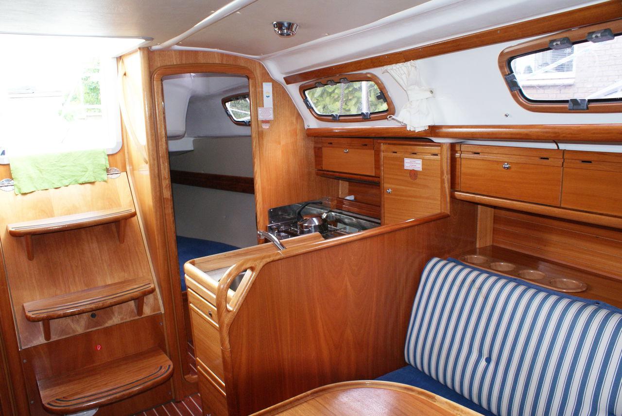 Bavaria 30 Cruiser Athena Yachtcharter Ijsselmeer Zeilboot
