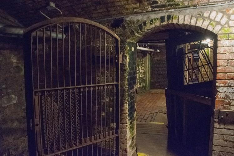 seattle underground bank tunnel