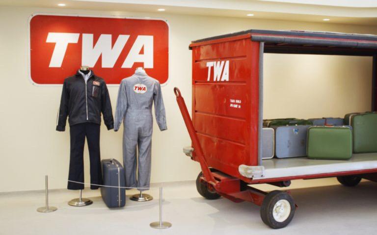 JFK'S Amazing TWA Hotel (a Complete Look Inside!) 7