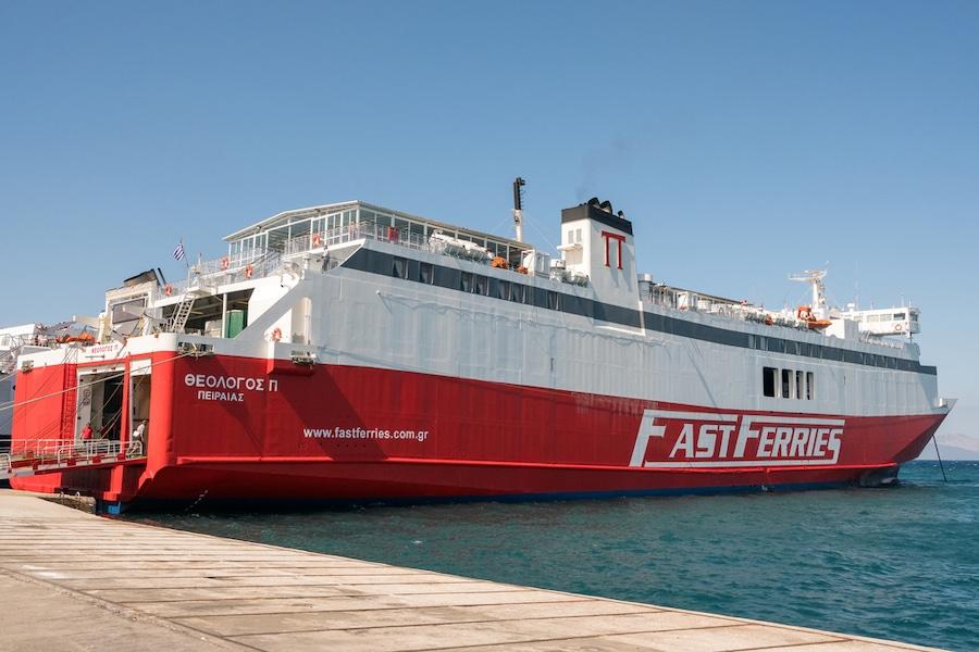 Fast Ferry Greece_Depositphotos_210680072_s-2019