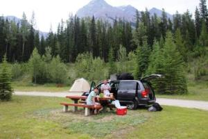 Picnic lunch at Yoho National Park