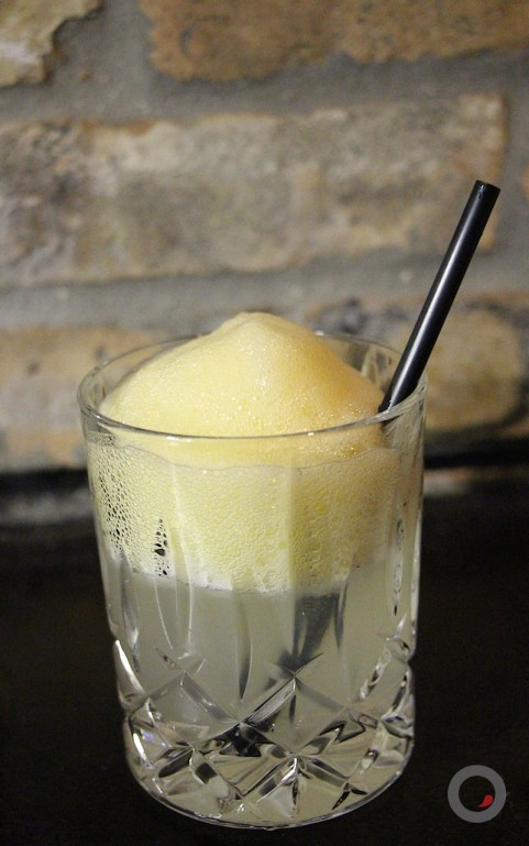 Soul Survivor – cantaloupe, avión blanco, clarified lime, agave nectar, orange air