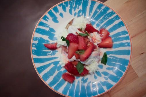 Huaraches De Fresa – Strawberry, mango ice cream, whipped cream