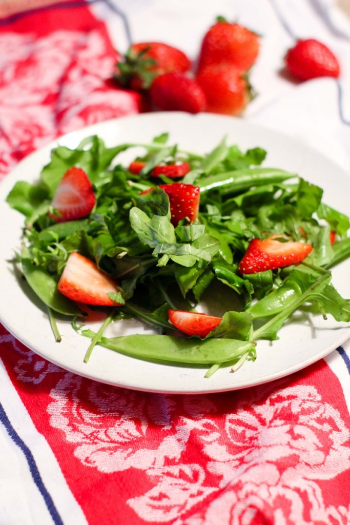 Arugula Salad with Strawberries and Snap Peas