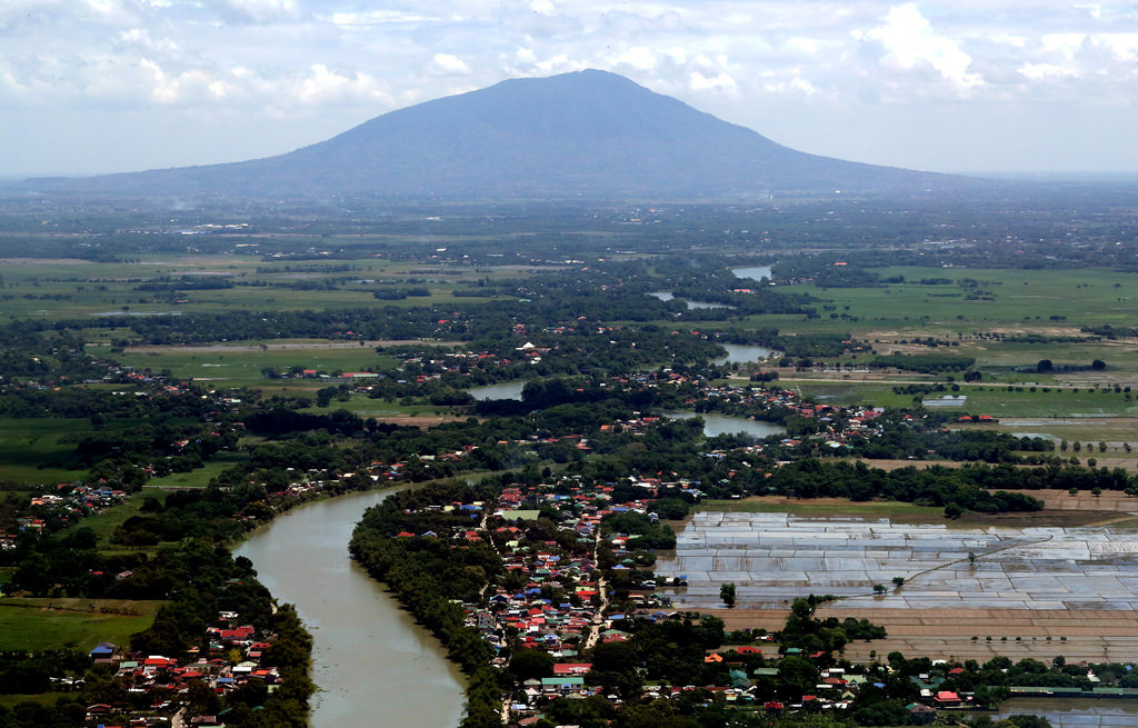 Welcome to Philippines The famous Mount Arayat