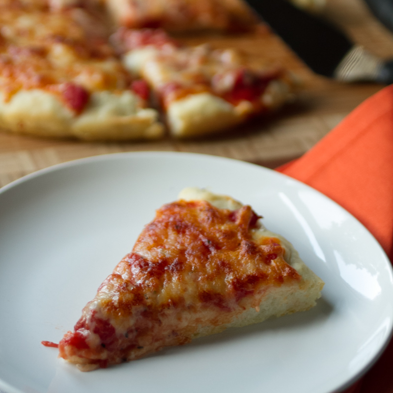 This homemade pan pizza takes a little time but it's worth it to get an oily crust that resembles the pan pizza that made Pizza Hut famous! | recipe from Chattavore.com