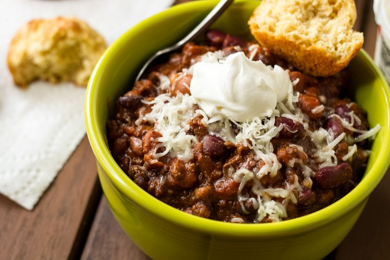 There are few things more comforting to come home to or to have on game day than something warm and a little spicy like this simple slow cooker chili! | recipe from Chattavore.com