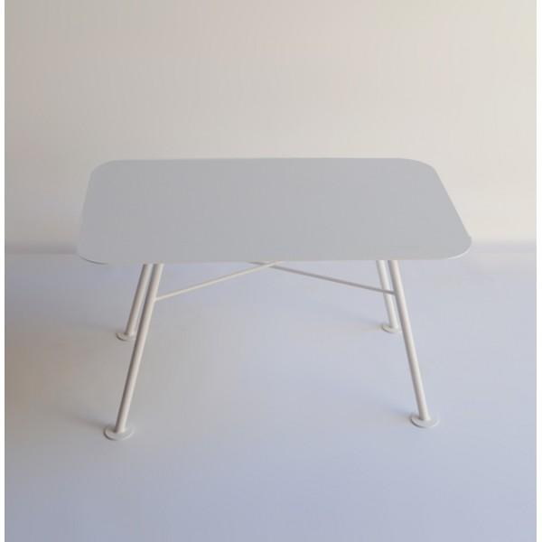 table basse ultra design pour exterieur ou interieur en acier ligne tres epuree dim 80x50xh45cm