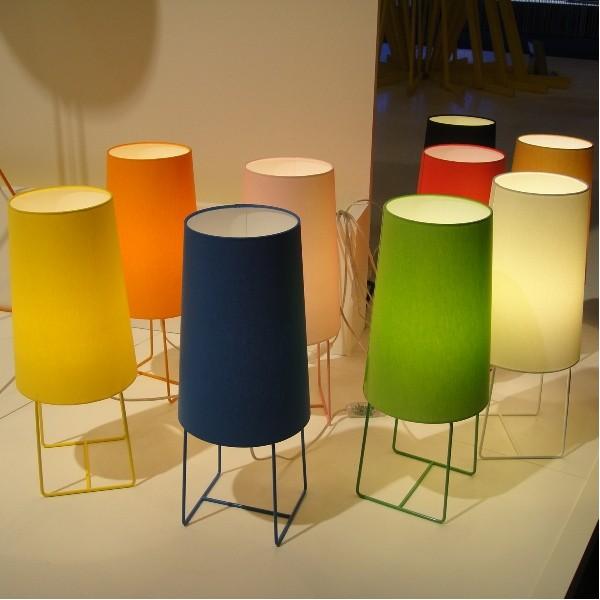 lampe de salon design haut abat jour chintz pieds fins acier