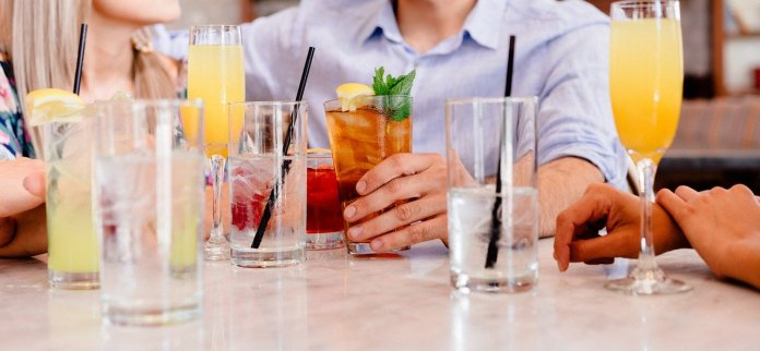 Cocktails Socializing People Group - Free-Photos / Pixabay