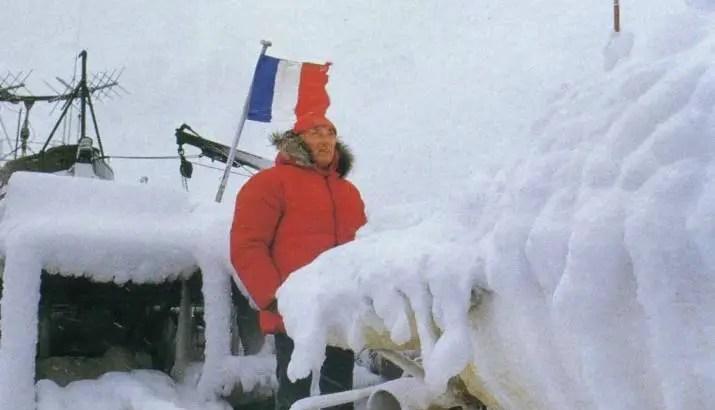A expedição segue viagem até a Antártica, até a Terra Ellsworth.