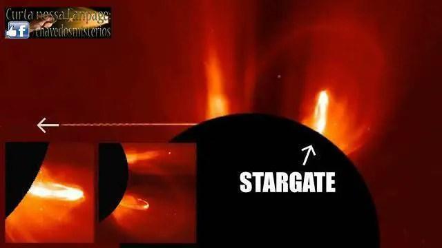 Sonda espacial SOHO fotografa uma nave espacial enorme usando o sol como portal estelar