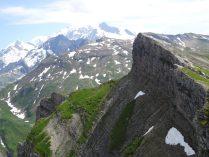 au bout de la crête: le Mont Blanc paraît si proche !