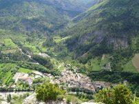 depuis le plateau , vue sur Rémuzat