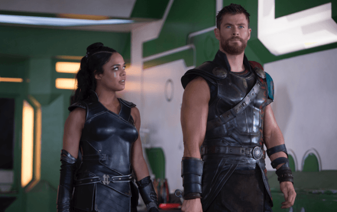 Valykrie y Thor están uno al lado del otro