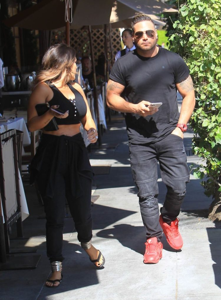 'Jersey Shore': Why Does Ronnie Ortiz-Magro Constantly ...