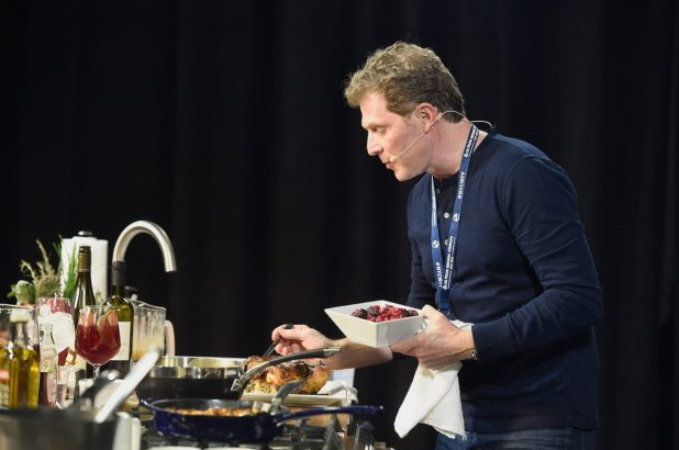 Bobby Flay gives shelter to Cook