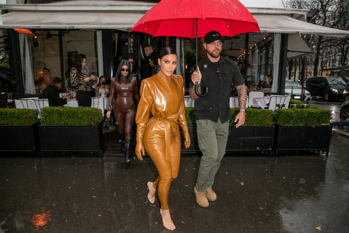 Kim Kardashian West can be seen leaving the L'Avenue restaurant on March 01, 2020 in Paris, France.