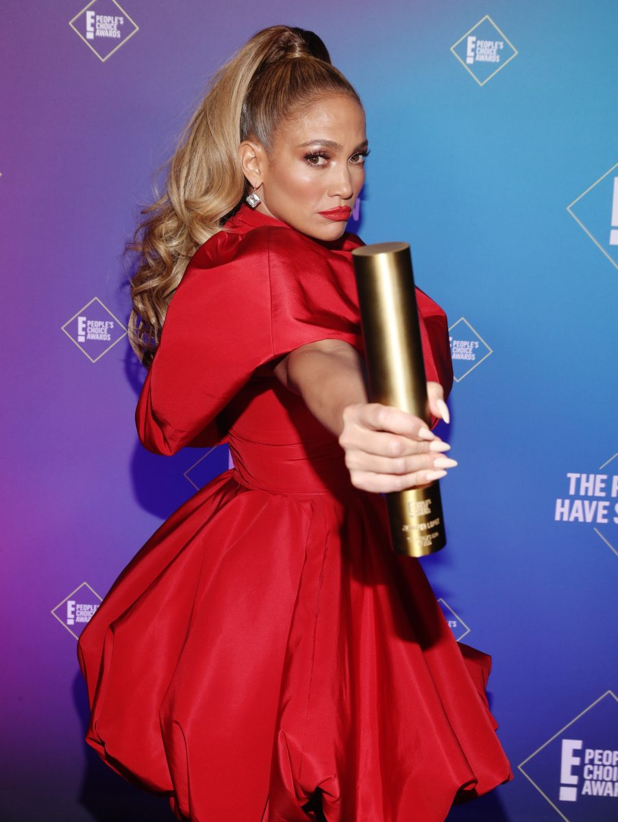 Jennifer Lopez in the People's Choice Awards newsroom