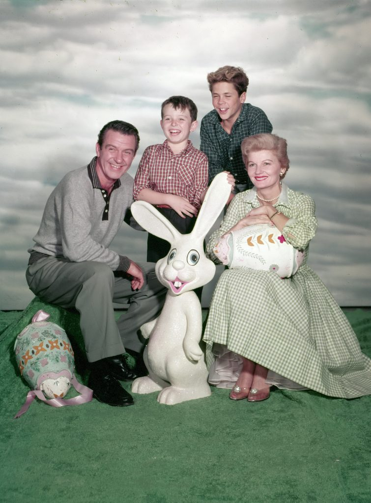 Hugh Beaumont, Jerry Mathers, Tony Dow, and Barbara Billingsley from 'Leave It to Beaver'