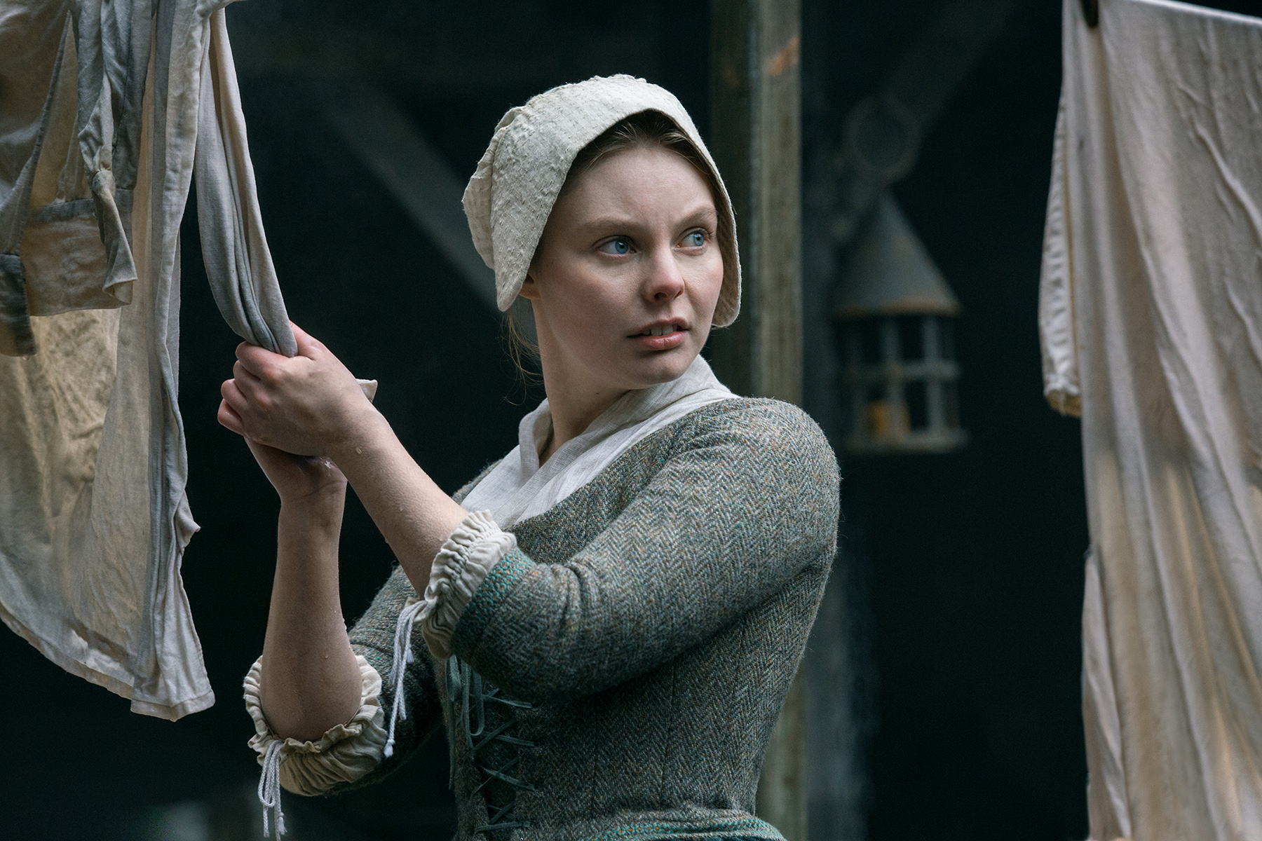 Nell Hudson in 'Outlander'