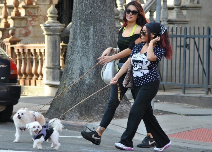 Jenny 'Jowo' Farley with her dogs and Nicole 'Snooki' Polzi