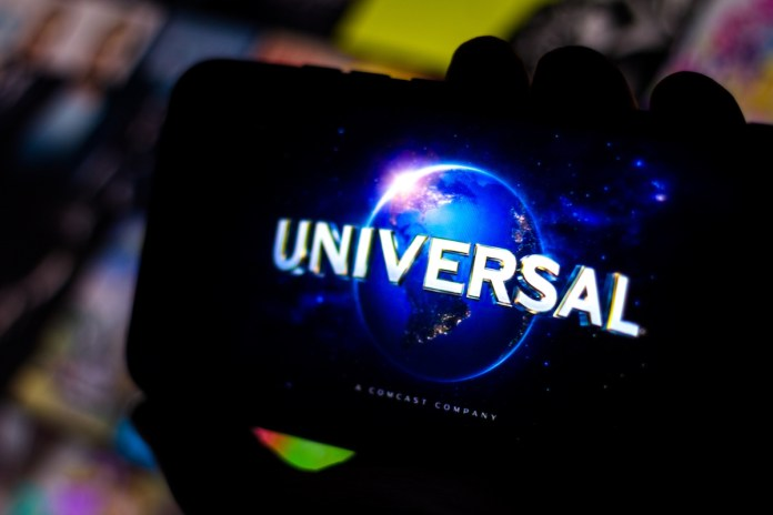 universal pictures logo on cell phone