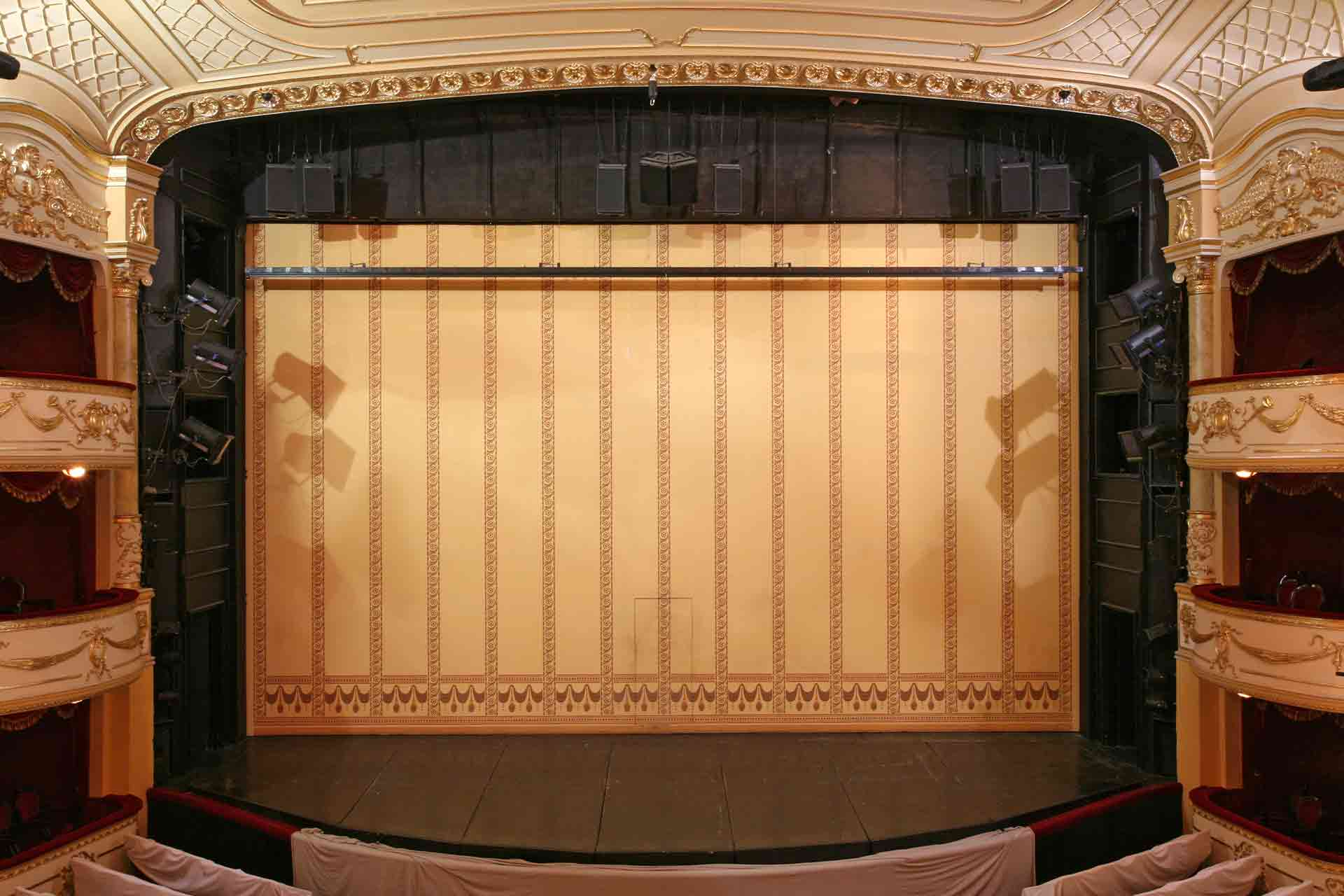 how much does a fire curtain cost in