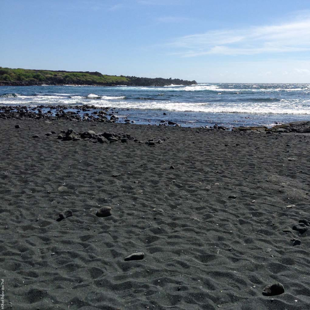 Punalu'u Black Sand Beach Park - Big Island, Hawaii, USA