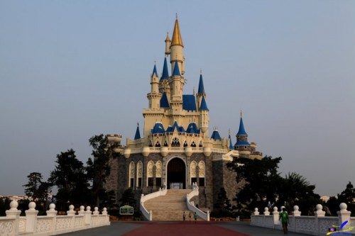 Copycat Disneyland Castle at 'Springs European Le Fort fantasy world' in China