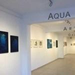 """""""Η τέχνη ταξιδεύει…"""" εικαστική έκθεση στην  Aqua Gallery Σαντορίνη."""