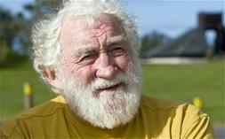 """David Bellamy has claimed his fellow conservationist David Attenborough used to be sceptical about global warming before """"he had a change of heart"""""""