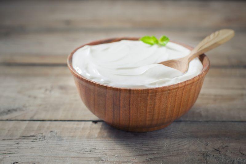 집안에 멀티 구조가있는 경우 Yogurtite를 구입할 필요가 없습니다. 우유가 쇄도하는 집에는 더 나 빠지지 않습니다. 유일한 제한 사항 : 메뉴에서는 30 도의 가열 온도를 나타낼 수있는 요구르트 모드 또는 프로그램이 있어야합니다.