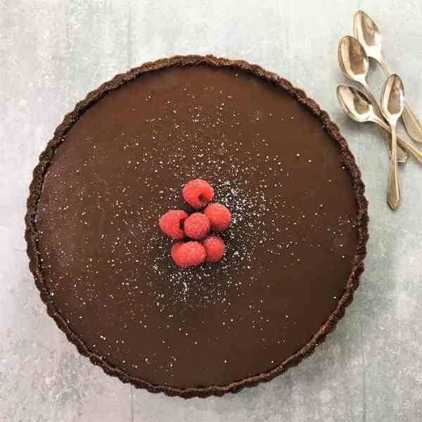 No-bake chocolate raspberry tart - just melt and mix