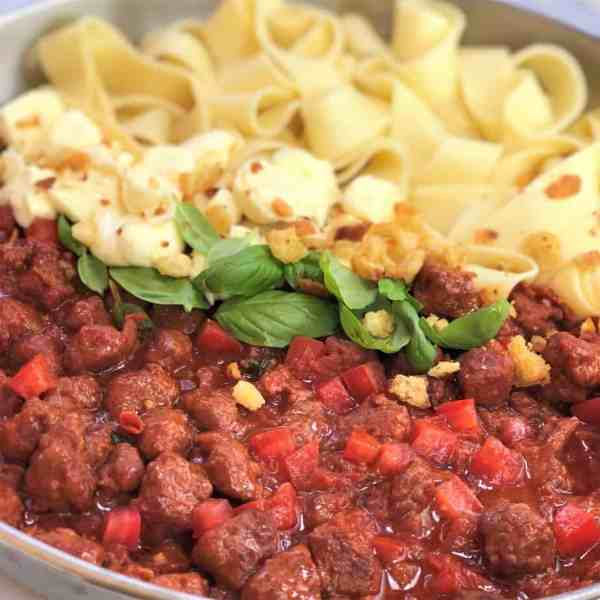 Fresh chorizo tomato pasta with bocconcini | fresh chorizo | chorizo pasta | chorizo tomato pasta | fresh chorizo recipe