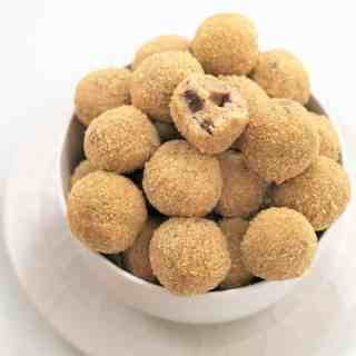 Cookie dough cheesecake bites - no bake cookie dough truffles with a cream cheese twist