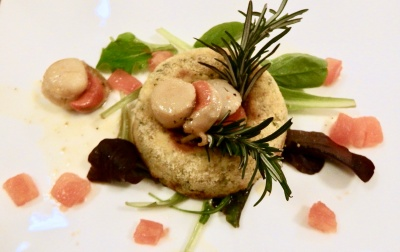Ciambelline di patate con capesante al rosmarino