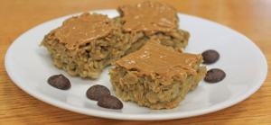 banana-oat-bars-with-peanut-butter-and-chocolate