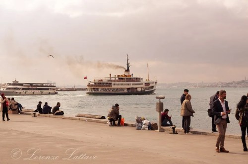 traghetto da uskudar sul bosforo a istanbul