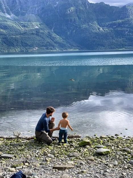 he il viaggio abbia inizio sul fiordo al Dalsøren camping